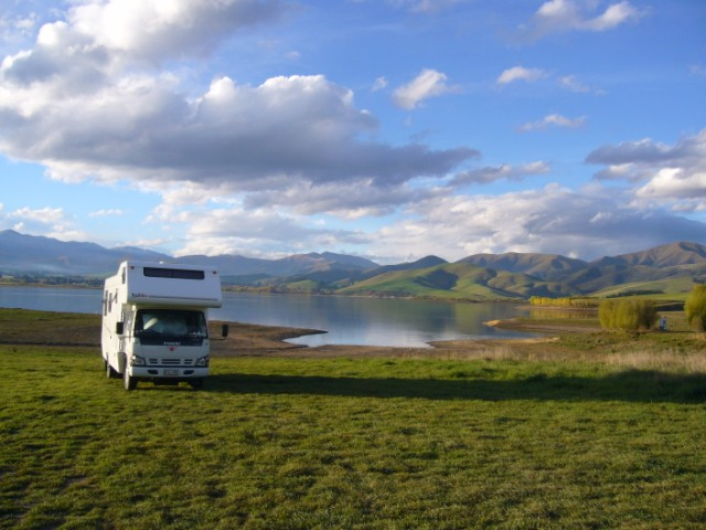 Lake opuha camp south freedom basic camp new zealand for Lake tekapo motor camp